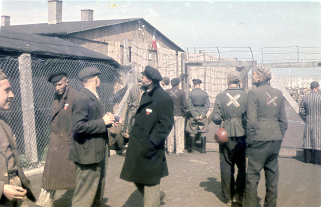 Color-Photographs-of-Life-in-The-First-Nazi-Concentration-Camp-1933-12.jpg
