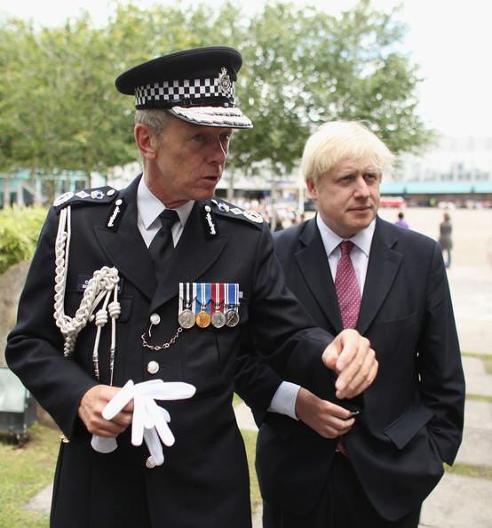 Boris+Johnson+Bernard+Hogan+Howe+Police+Officers+mhqQ3OaNLo0l.jpg