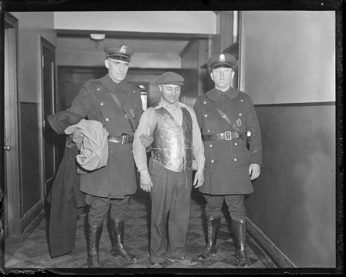boston-police-photos-from-the-1930s-28.jpg