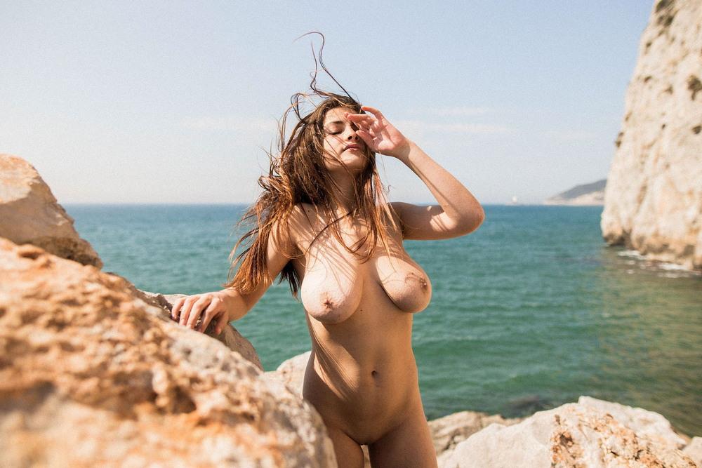Юдит Гуэрра в откровенной фотосессии