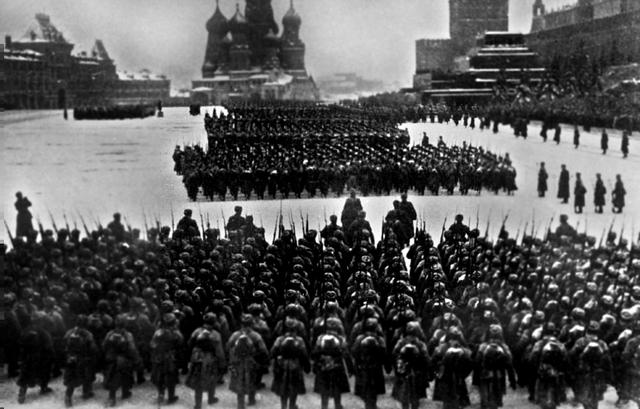 черно-белые рисунки на тему войны или победы