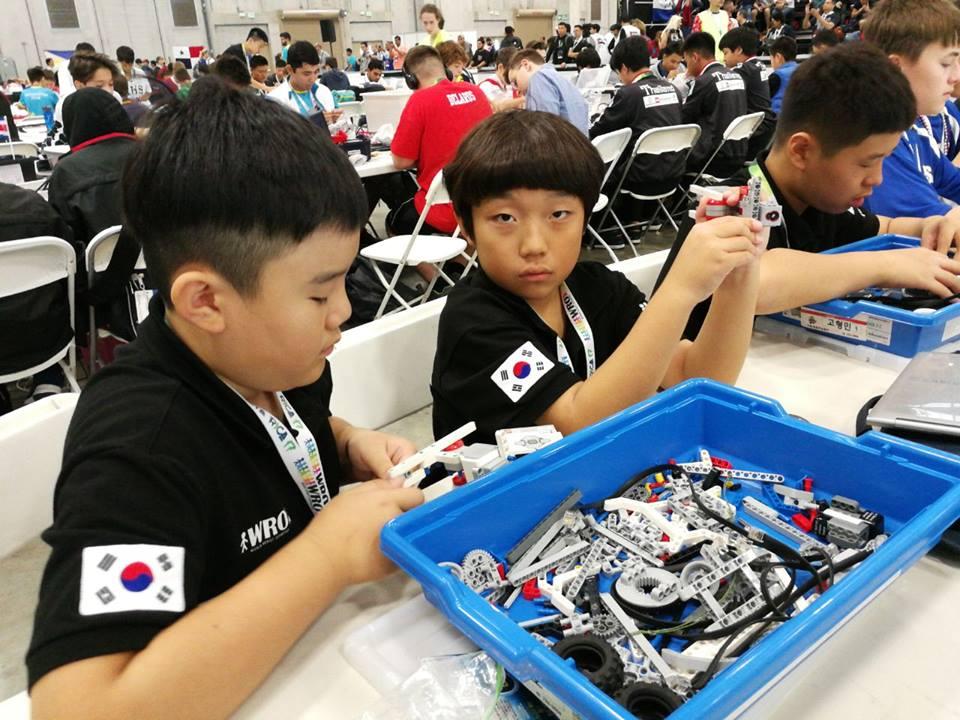 Пять золотых медалей российской сборной на Всемирной олимпиаде роботов