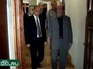 20000921-Путин побывал в гостях у Солженицына-pic3