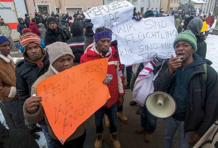 Немецкий работник с беженцами признала, что была не права и планирует уехать в Польшу