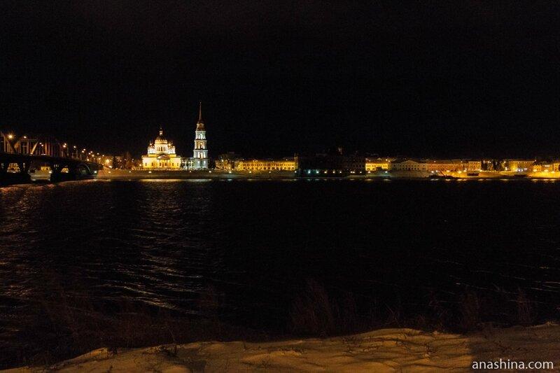 Исторический центр Рыбинска вечером