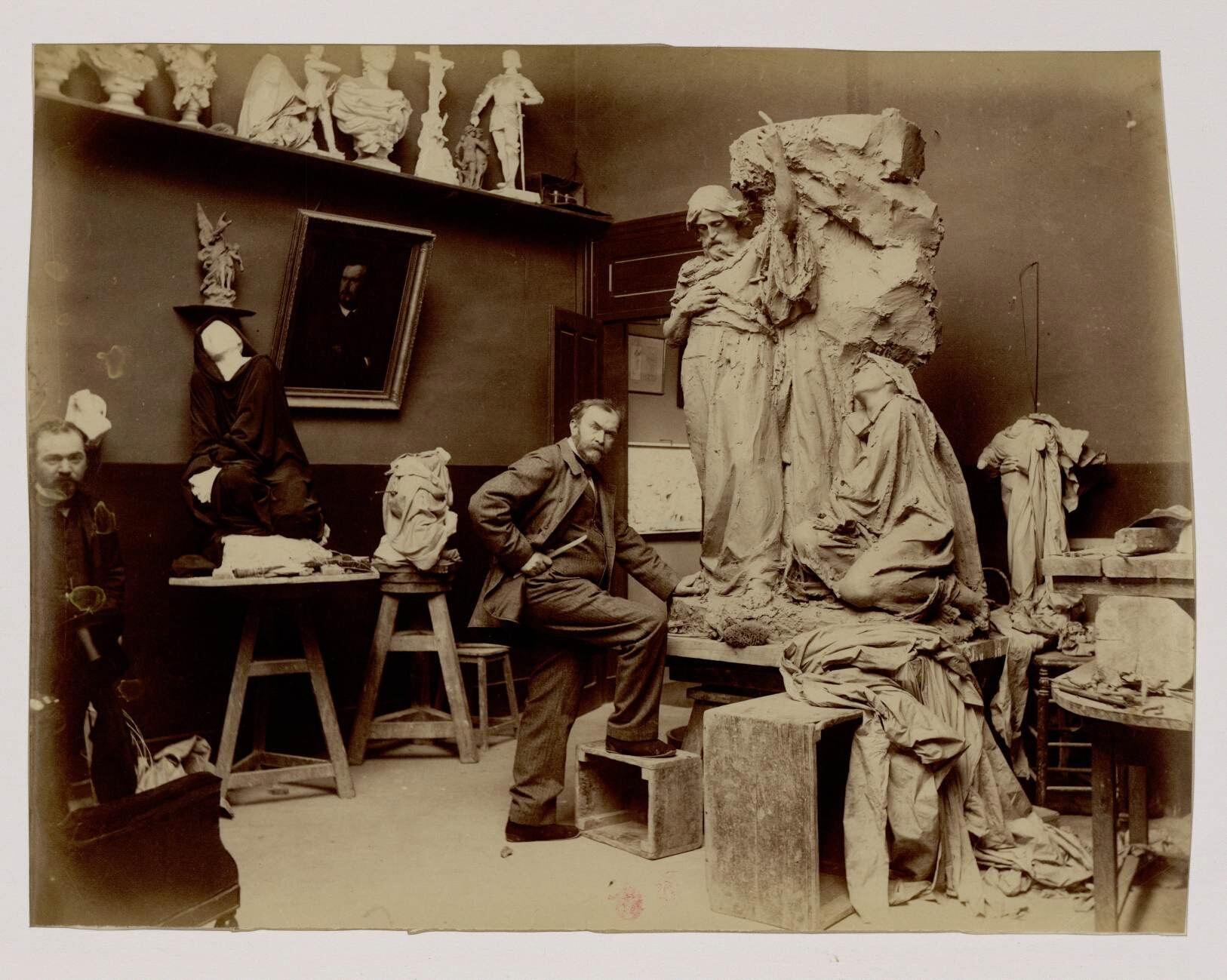 05. Аристид Онезим Круази  (1840-1899) — французский скульптор.