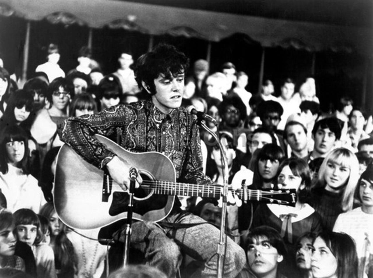 1966. Донован