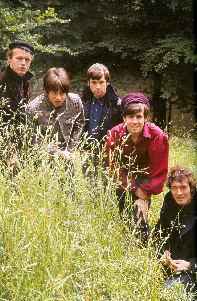 1966. «The Hollies»