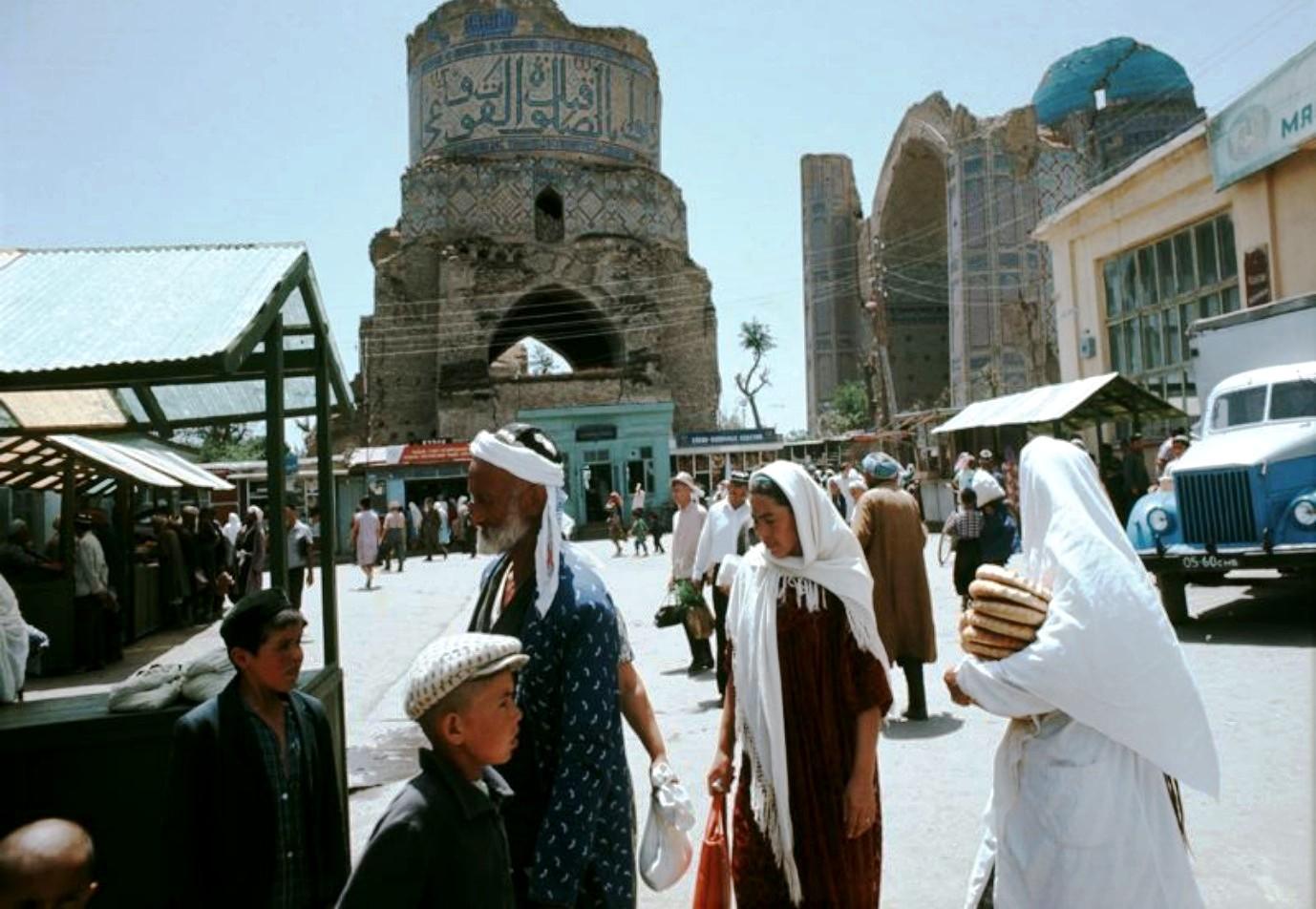 1966-1967. Георг Одднер путешествует в Самарканд