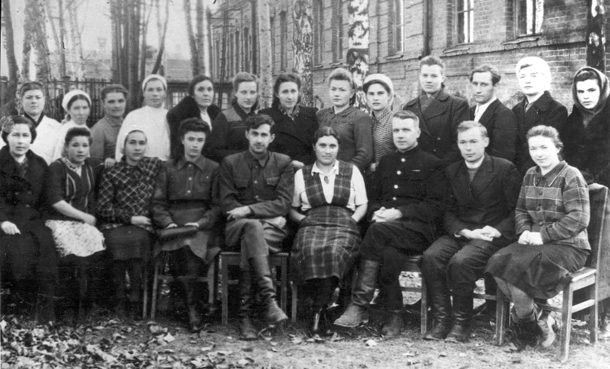 1947. Коллектив Тарской больницы
