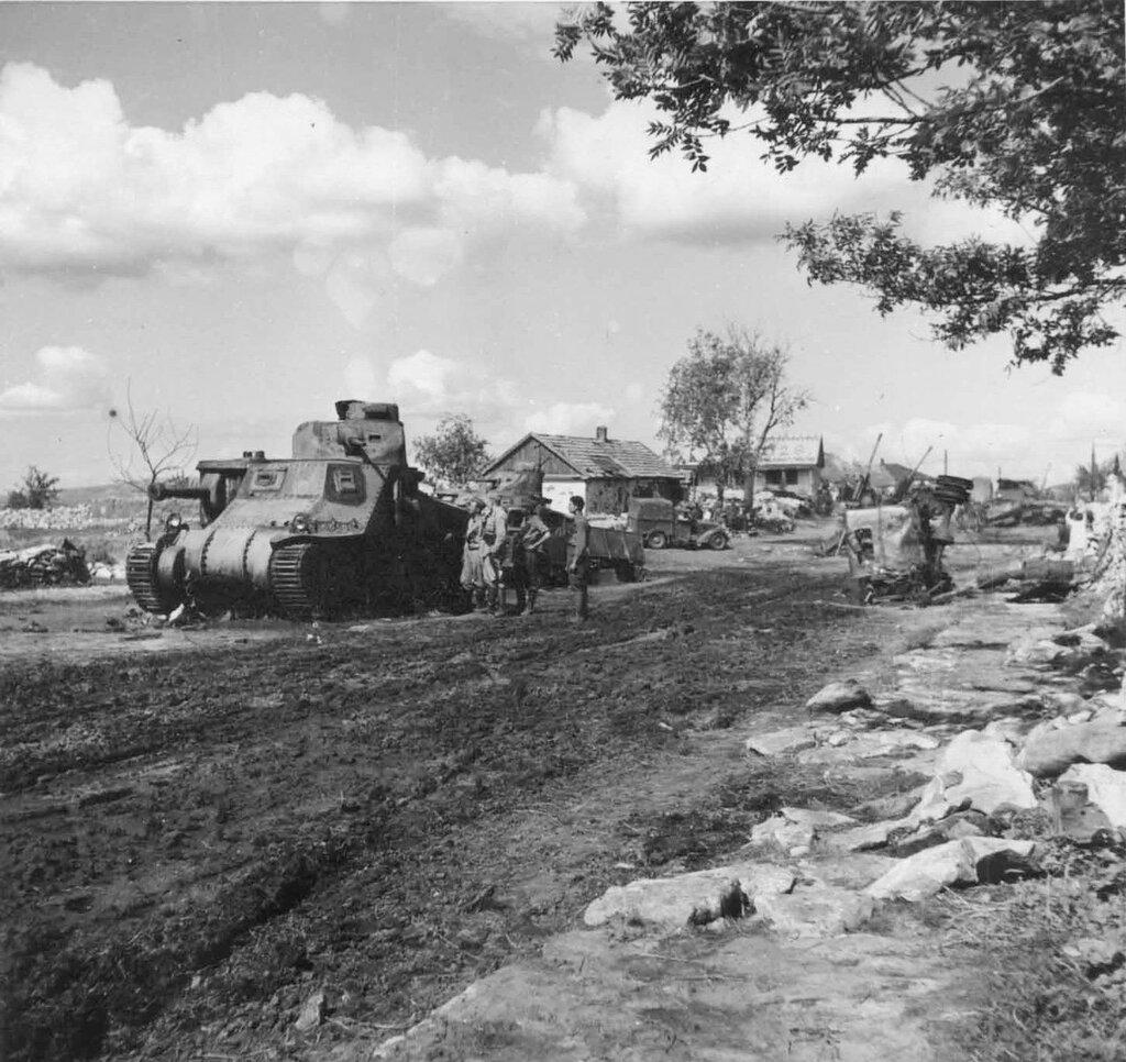 """Подбитые советские средние танки М3с «Генерал Ли"""". 1942 год."""