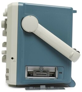 Цифровой осциллограф DPO5034B - вид справа