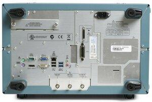 Цифровой осциллограф MSO73304DX - вид сзади