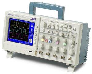 Цифровой осциллограф TDS2014C  . Внешний вид