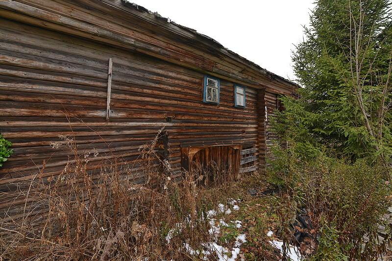 18. Внутри таких большущих домов располагался настоящий жилой комплекс, состоящий из избы или двух,