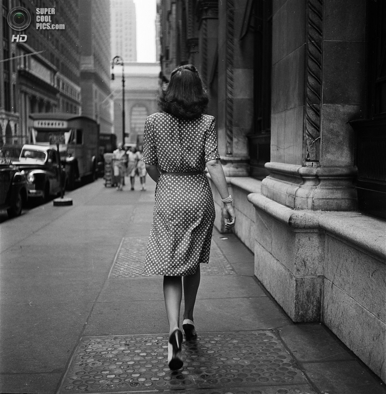 США. Нью-Йорк. 1946 год. Девушка на улице. (V&M/Look/Stanley Kubrick)