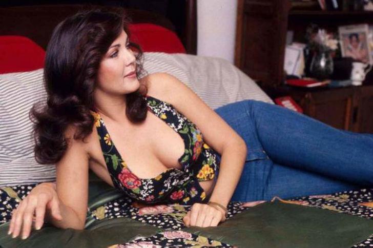 Линда Картер, прославившаяся благодаря роли Чудо-женщины в 1975-1979 годах.