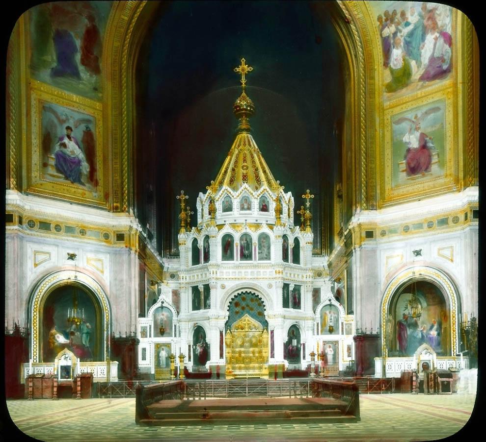 Храм Христа Спасителя внутри.