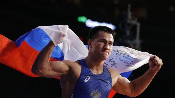 Русский борец Власов одержал победу золотую медаль Игр вРио