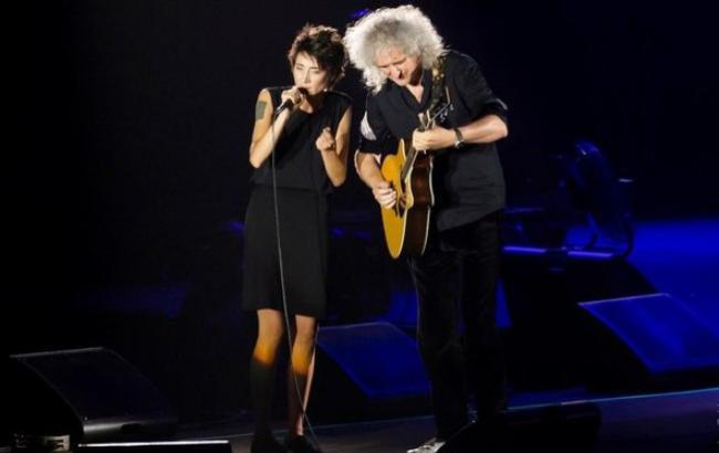Гитарист Queen поздравил Земфиру сднем рождения