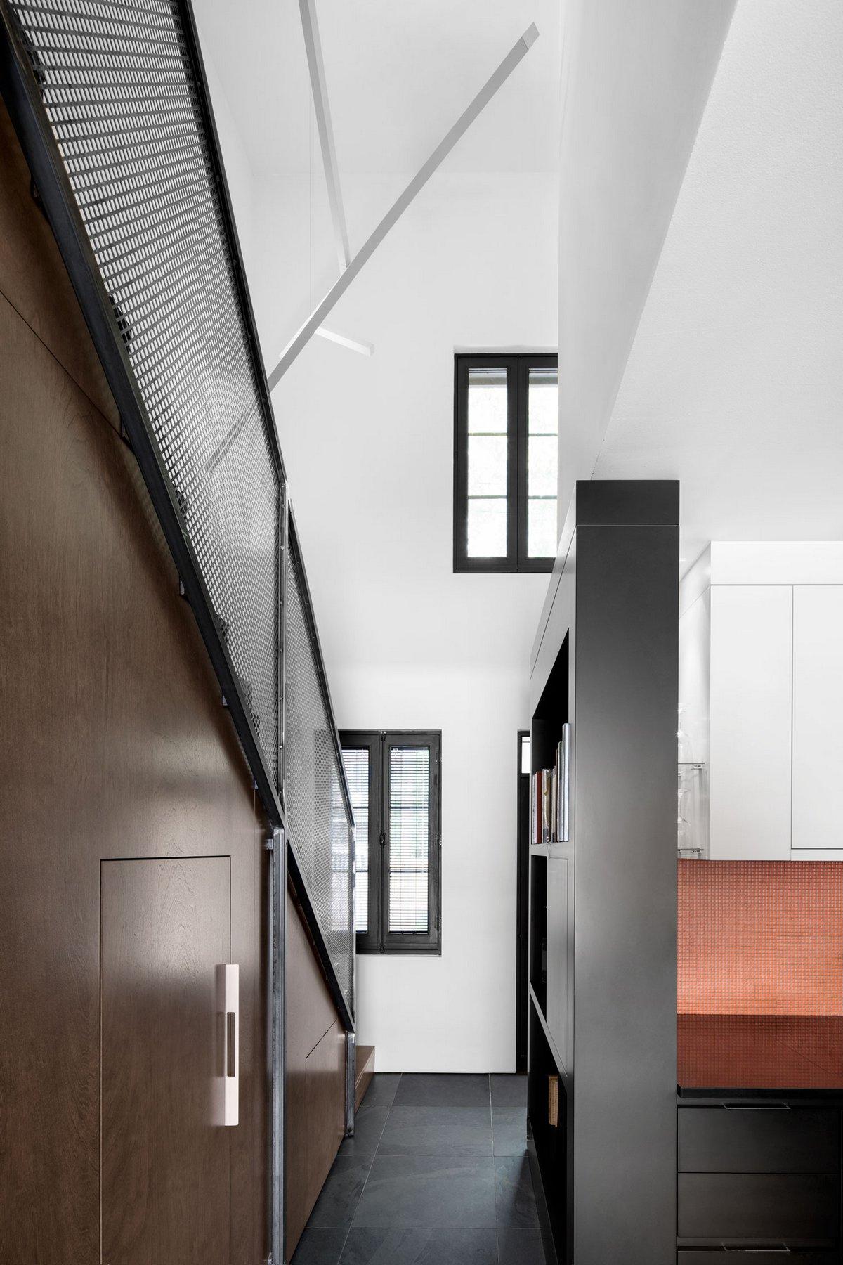 LeJeune, Architecture Open Form, черный фасад дома фото, интерьер в стиле минимализм фото, реставрация частного дома фото, маленький частный дом фото