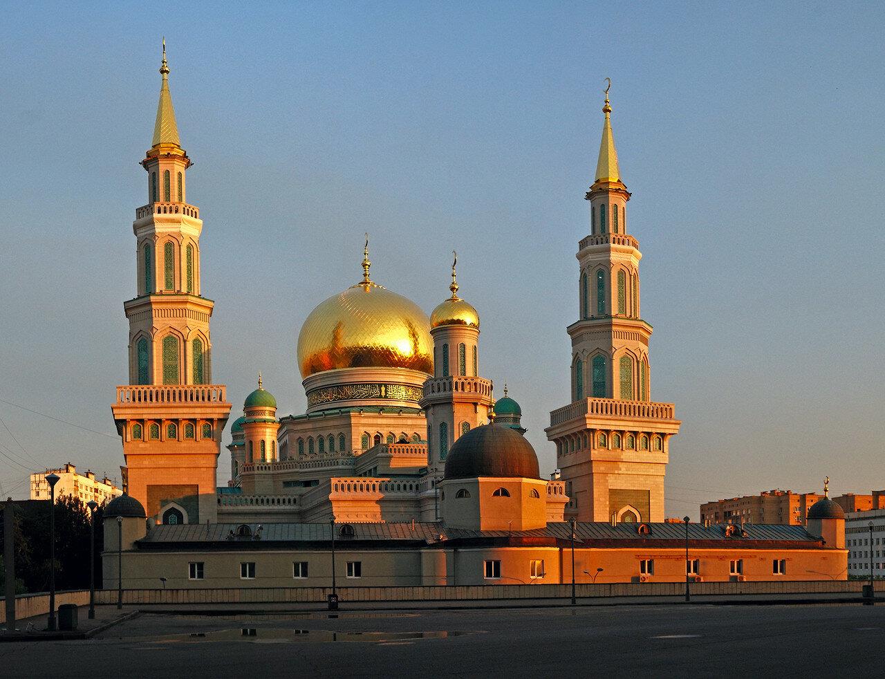 Московская соборная мечеть на закате