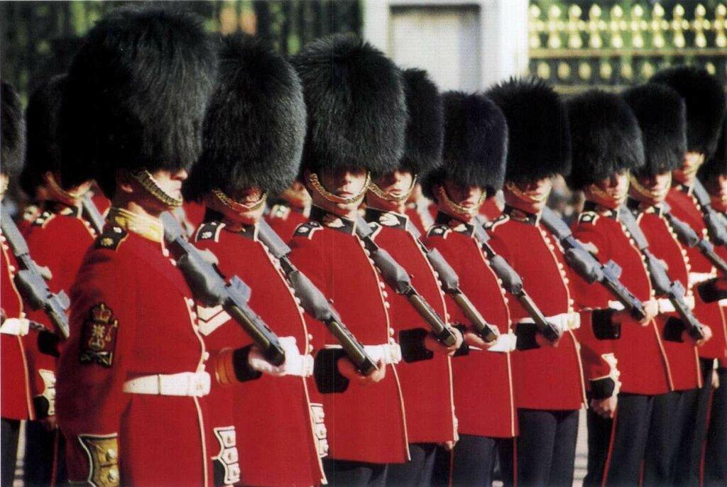 1318335251_guards-45.jpg