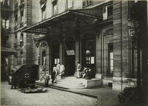 1915. Машина скорой помощи. Прибытие тяжело раненых