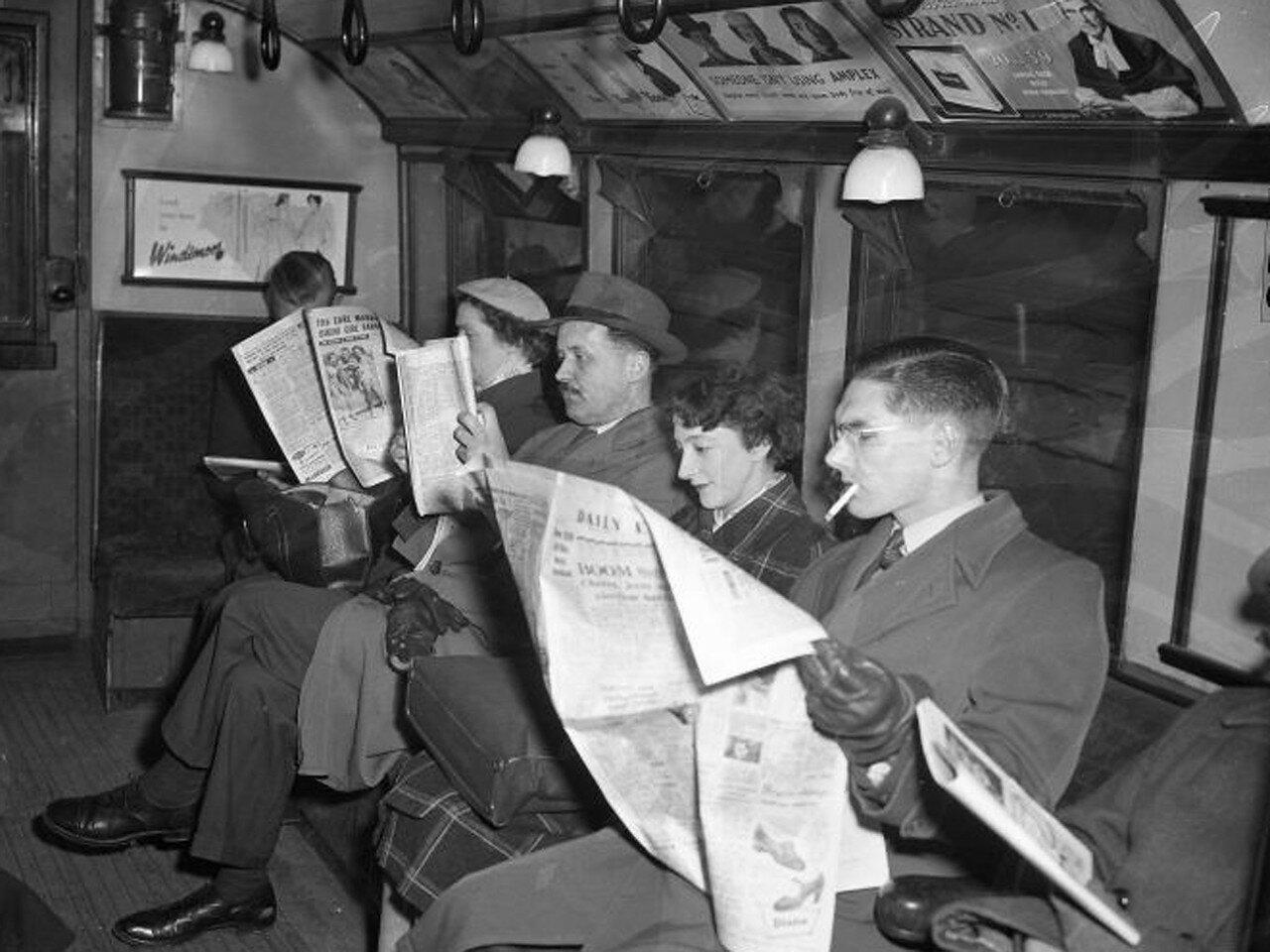 1955. Пассажиры лондонского метро