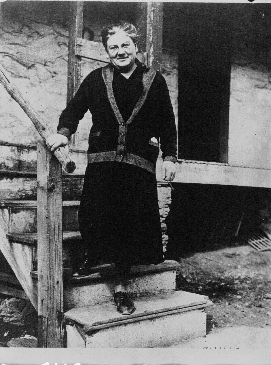 1933. Графиня Толстая, дочь писателя, обратилась к миру с призывом помочь продовольствием Советской России