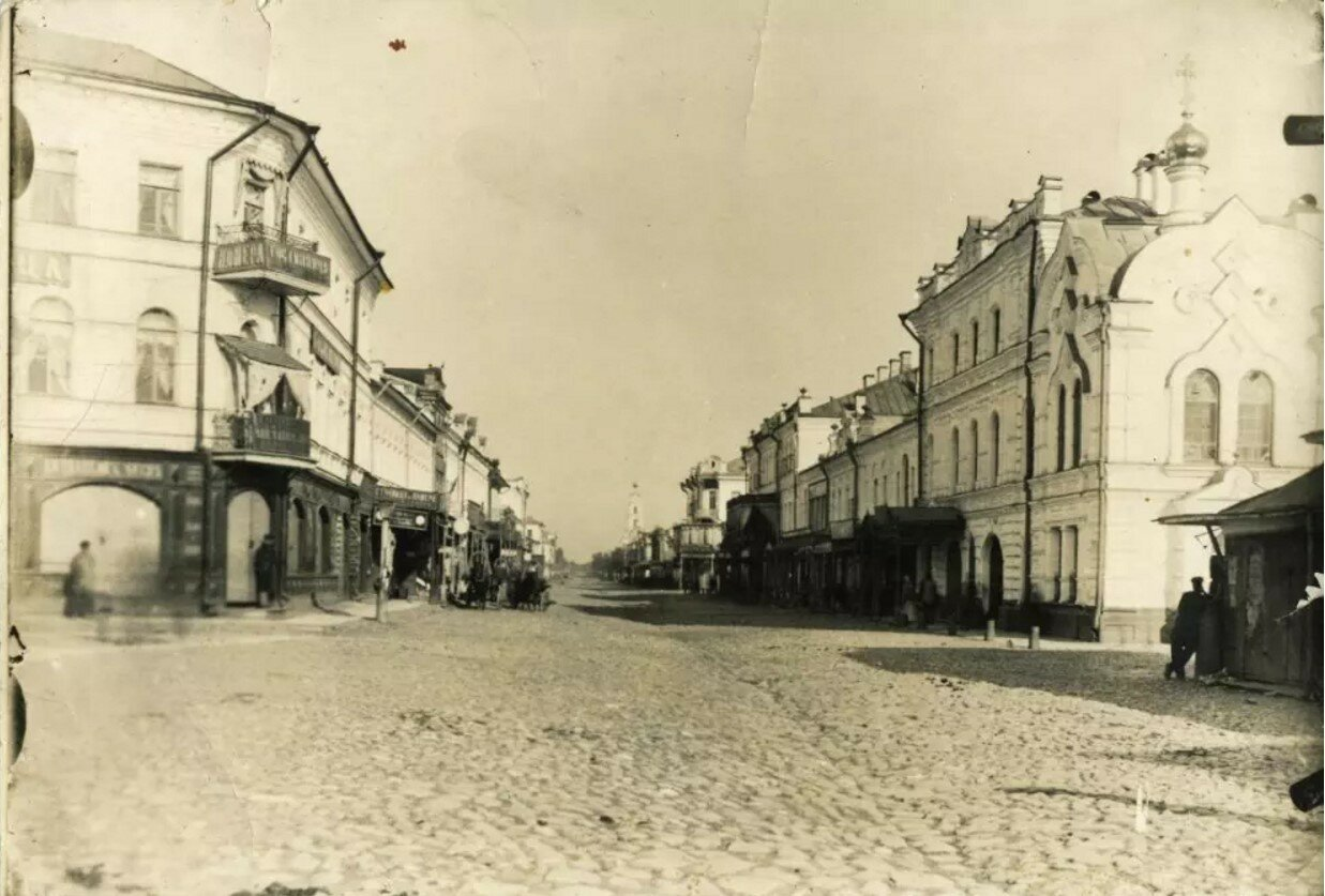 Перекресток улиц Крестовой и Стоялой