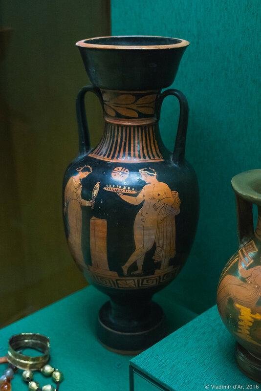 Амфора краснофигурная. Аттика, IV в. до н.э.