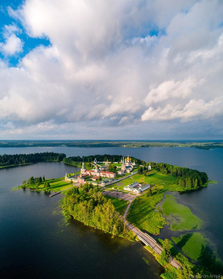 2. Острова слева-направо: Косой, Картофельный, на заднем плане Муравьиный и спереди Пласточка.