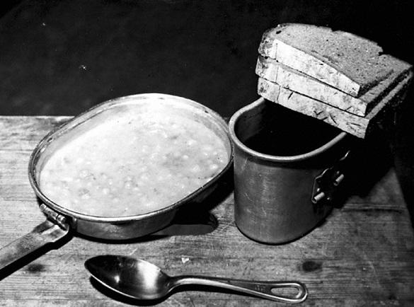 Истории: как в СССР кормили перед расстрелом (6 фото)