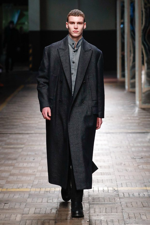 MFW: DIRK BIKKEMBERGS Fall Winter 2018.19 Collection (41 pics)