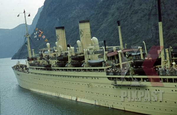 stock-photo-ww2-color-kdf-ship-der-deutsche-sailing-norwegian-fjord-1939-tourists-holiday-norway-8203.jpg