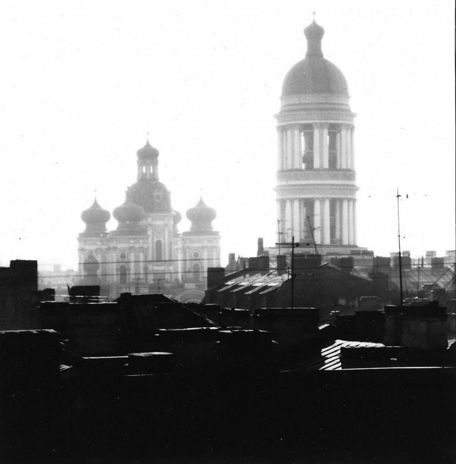 Узнаваемый и загадочный Петербург на снимках Владимира Антощенкова