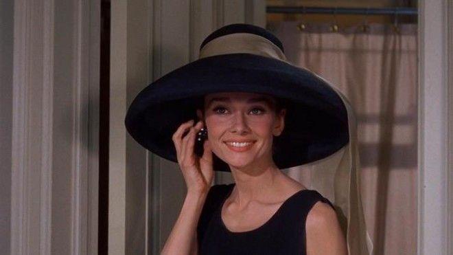 Французская актриса Катрин Денёв Кадр из фильма «Шербурские зонтики», 1964 год