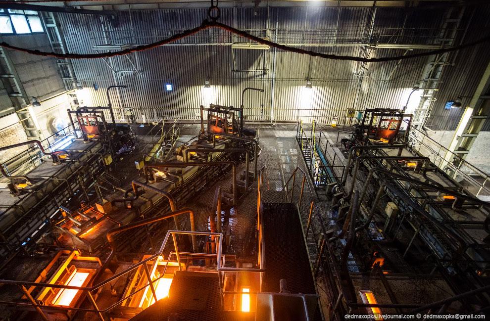Стекловарение завершается охлаждением стекломассы до температуры, при которой она приобретает