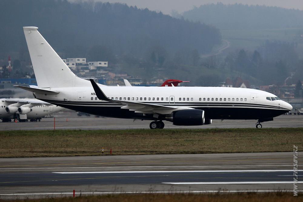 B-737_N82SR_Starflight_Express_2_ZHR.JPG