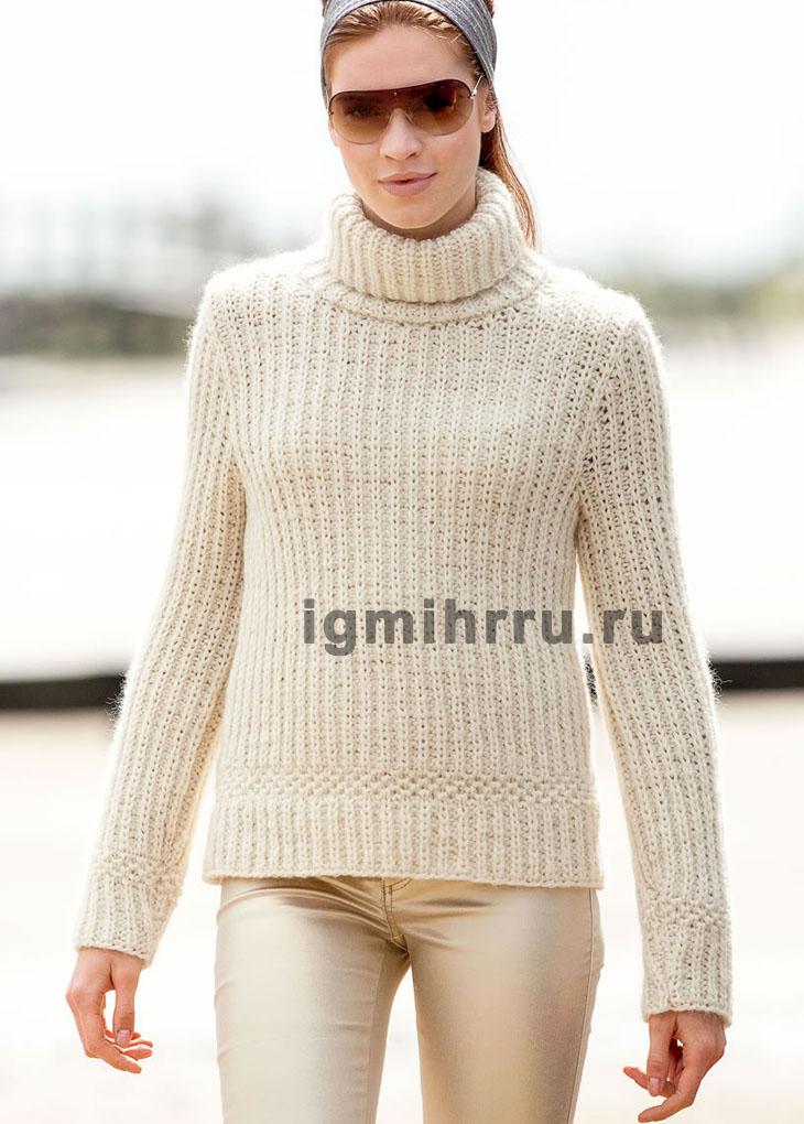 Белый теплый свитер из полупатентного узора. Вязание спицами