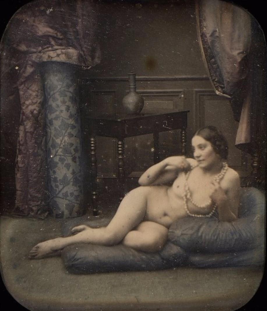 1855. Обнаженная с жемчужным ожерельем