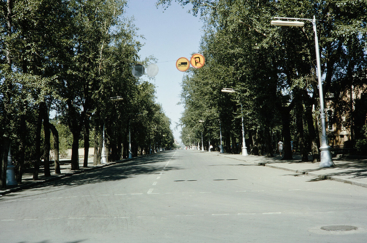 Улица Карла Маркса в районе Административного здания Иркутского университета и Краеведческого музея