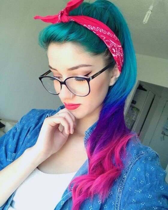 0 17a75e 686b18f0 XL - Красивые девушки в очках: фото