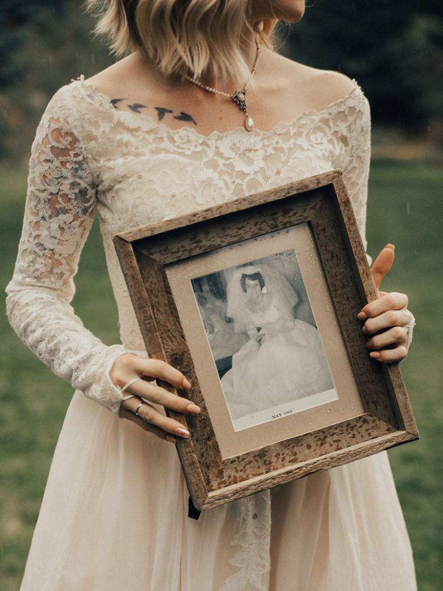Невеста сделала сюрприз бабуле на репетиции свадебного ужина. Все самые волнительные моменты запечат
