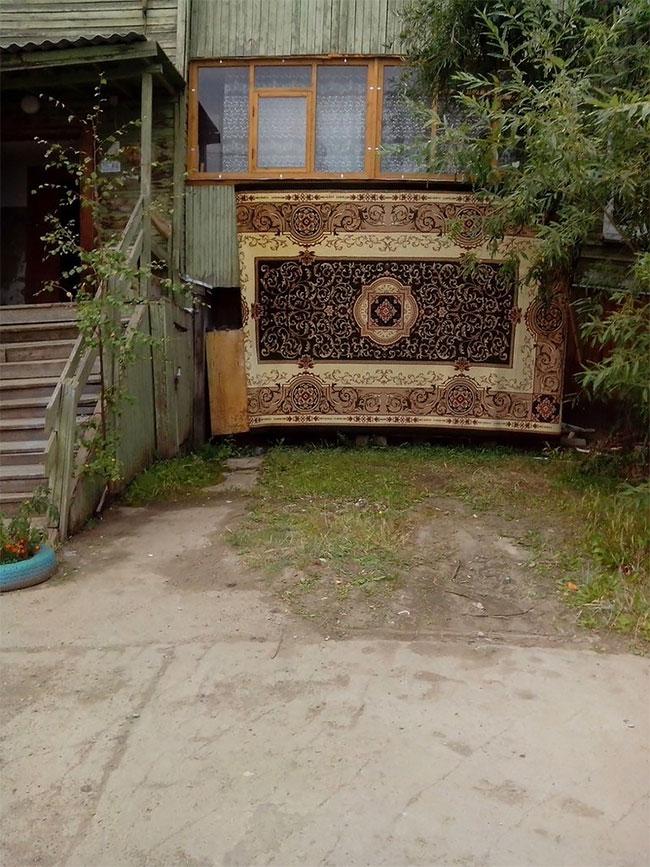 Что случается с коврами, которые изгнали из квартиры