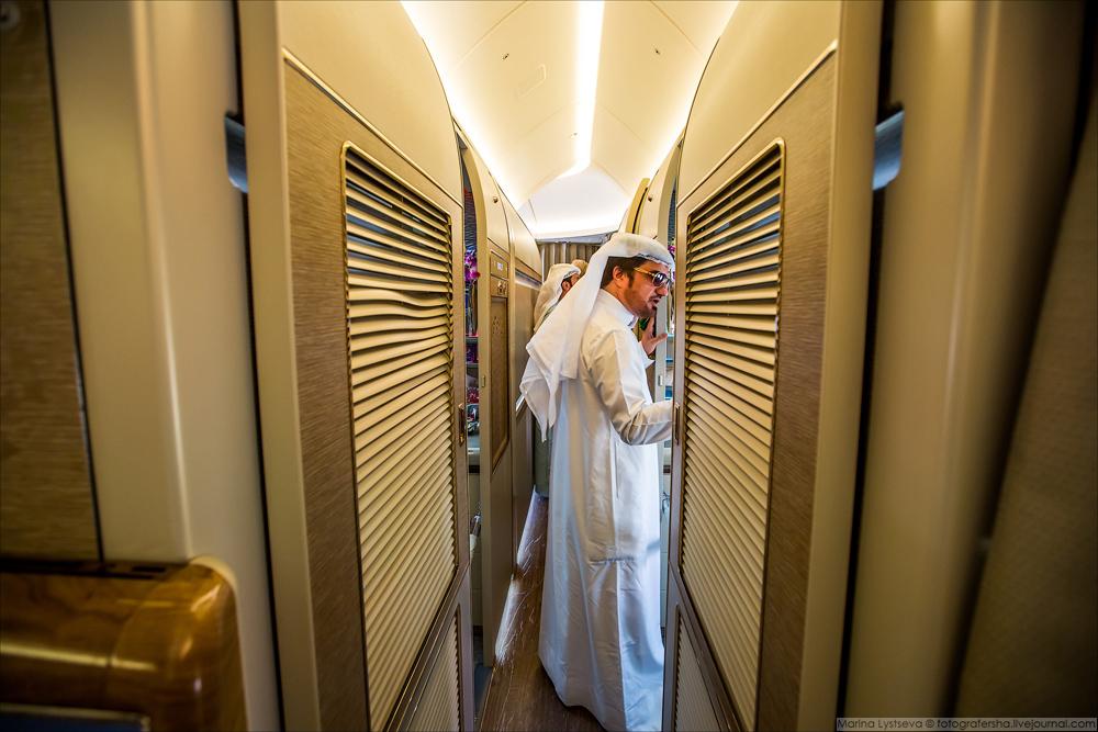 Все новые 777, поступающие в авиакомпанию, будут иметь шесть первоклассных комнат в компоновке 1+1+1
