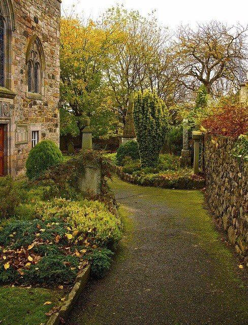Duddingston Kirk, Edinburgh, Scotland.jpg