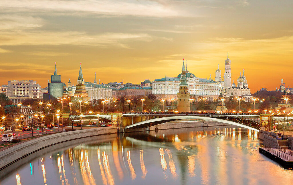 Дорогая моя столица, Золотая моя Москва...