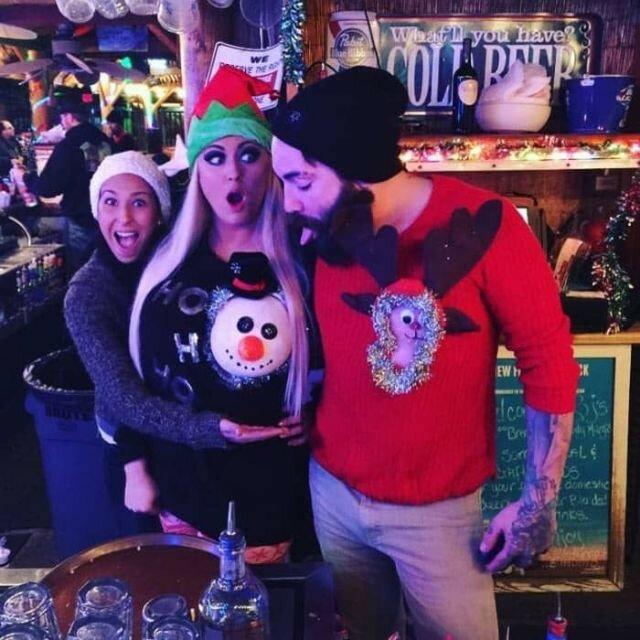 0 17ca45 8e2b06f4 XL - Модная рождественская забава американок #reindeerboob